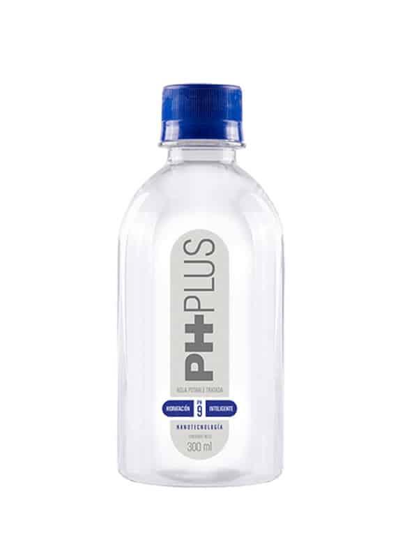 Agua Alcalina hecha en Colombia. Presentación dle agua alcalina de 300 ml.