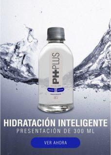 Agua Alcalina PH PLUS hecha en Colombia. Presentación dle agua alcalina de 300 ml.
