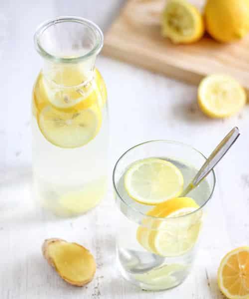 agua alcalina con limon y gengibre previene virus y mantiene un cuerpo sano